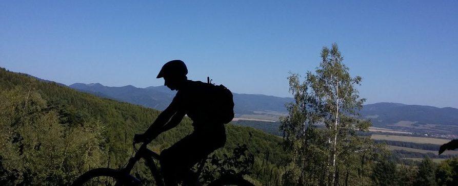 Cesta smerom na Maguru a okolitá panoráma často berú dych