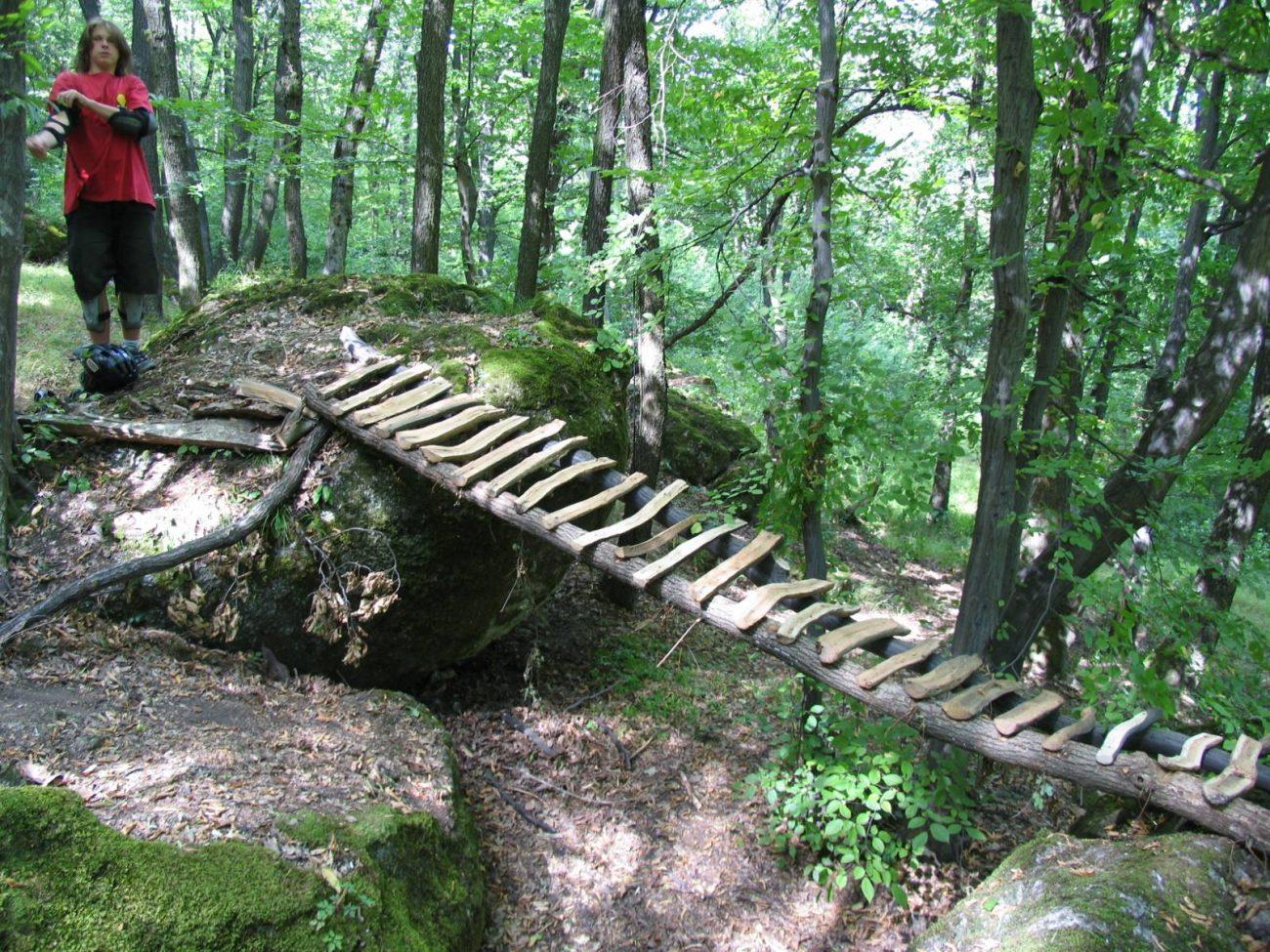 Prvé traily okolo roku 2004