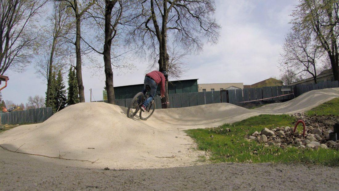 obrázok: titulka pumptrack Nováky na www.bicyklizmus.sk